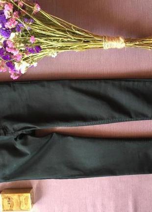 Актуальные черные штаны,джинсы, скинни  bik bok