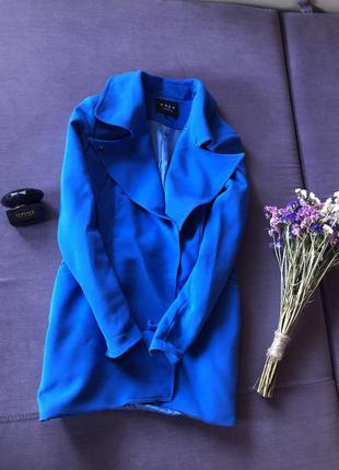 Красивое пальто на подкладке , плащ цвета электрик ( не секонд)