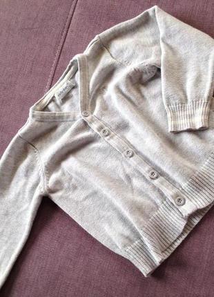 Early day свитерок на пуговках в отличном состоянии 1-2года