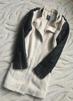 Пальто , косуха с кож зам рукавами и воротником atmosphere