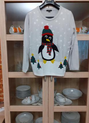 Теплый пуловер со снеговиком большого размера