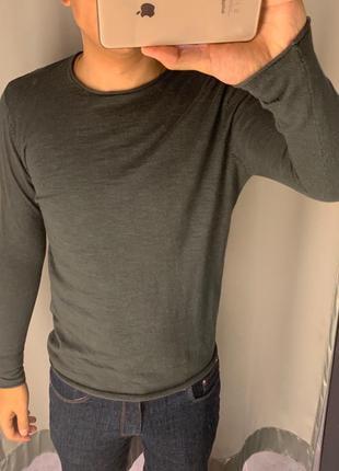 Легкий серый свитер smog есть размеры