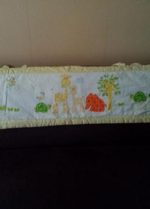 Бампер защита бортик в кроватку mothercare