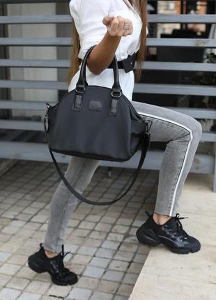 Женская тканевая спортивная сумка черная