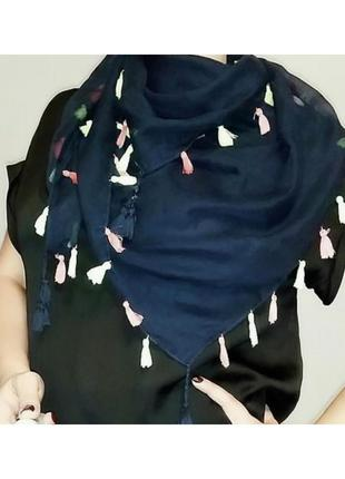 Воздушный осенне-весенний шарф, палантин с кисточками из вискозы.