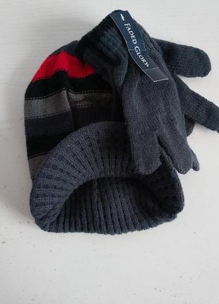 Распродажа!! комплект шапка перчатки  американского бренда fad...