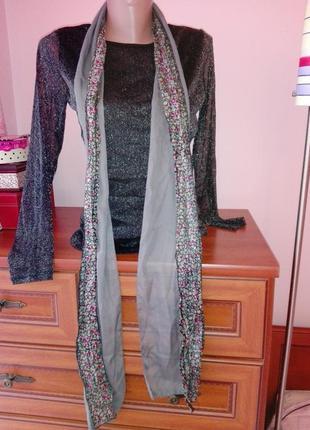 Очень стильный шарф платок в цветочный принт
