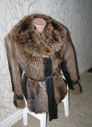 Шуба, полушубок натуральный енот с кожаными вставками xs-s-размер