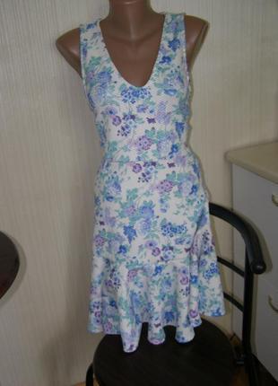 Miss selfridge фактурное платье s-m-размер