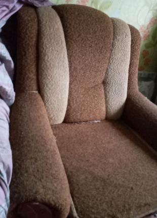 Мягкое кресло б.у