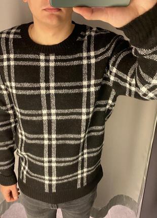 Плотный свитер в клетку пуловер smog есть размеры