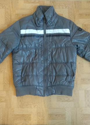 Мужская осення куртка в идеальном состоянии