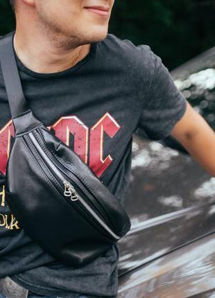Мужская черная кожаная бананка (сумка через плечо)