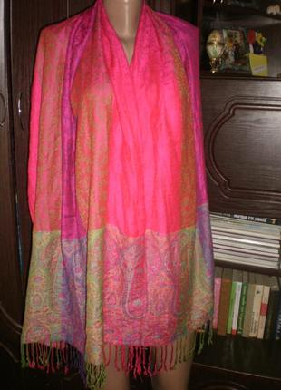 Шикарний яскравий шарф-палантин