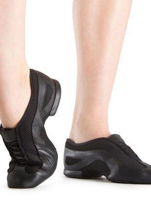 Професійне взуття для танців