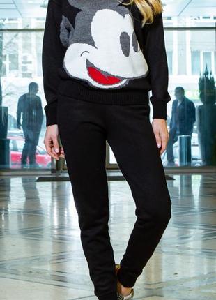 Стильный костюм с микки-маусом