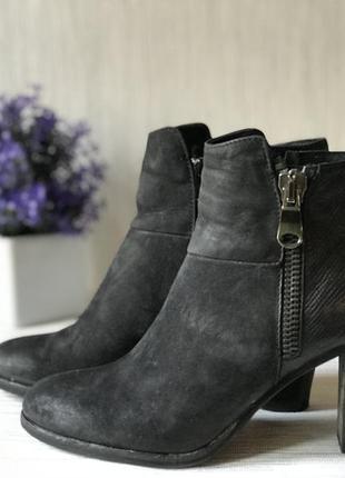 Модные женские ботинки vera gomma