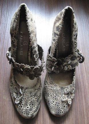 Новые туфли на высоком каблуке сarlabei 38 р