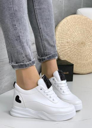 Белые кроссовки на платформе,стильные белые кроссовки с чёрным...