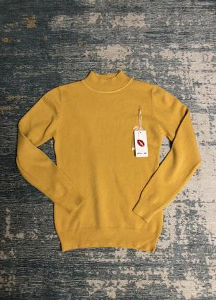 Мягкий желтый свитер гольф, новый!