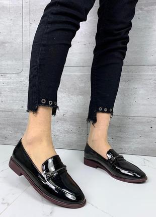 Лаковые туфли на низком каблуке,чёрные лакированные лоферы