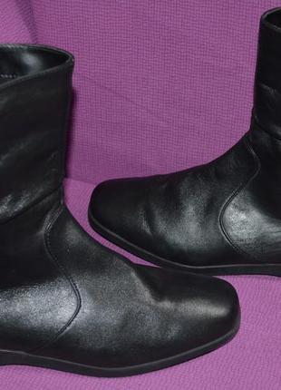 Качественные кожаные сапоги