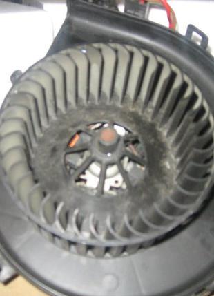 Моторчик вентилятор печки Opel Combo 24436989 90535114