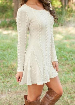 Платье бежевое с длинным рукавом m-l