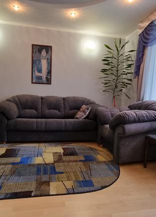Продам замшевый диван и 2 кресла в идеальном состоянии
