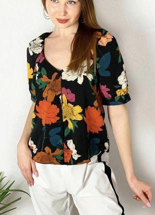 Блуза с пуговками и рукавом фонарик