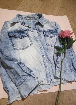 Крутая укороченная джинсовая рубашка