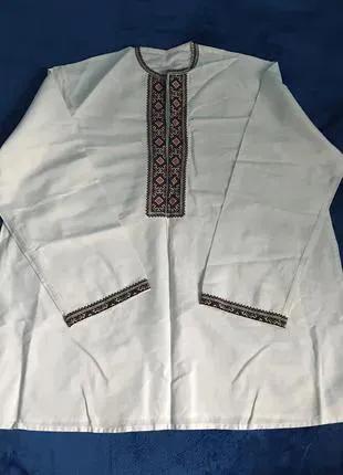 Белая винтажная мужская вышиванка