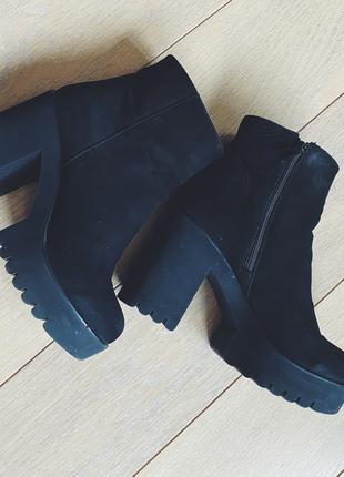 Нубуковые ботинки 38-39 размер