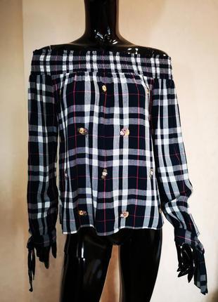Блуза открытые плечи в клетку с вышивкой new look