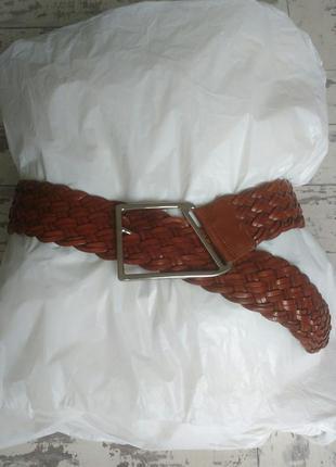Кожаный коричневый широкий плетеный ремень пояс с белой пряжкой