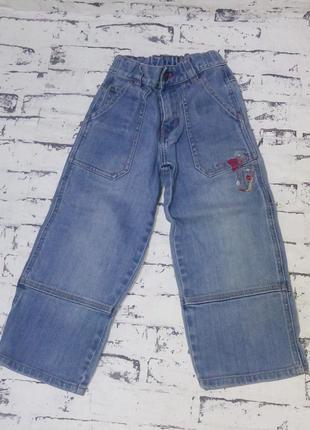 Фирменные джинсы мальчику 4 года.