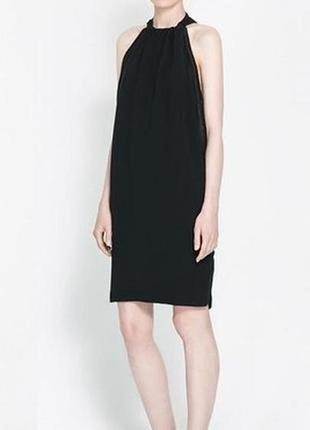 Черное платье с открытой спиной zara