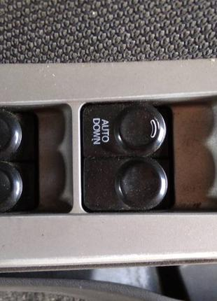 Блок управления стеклоподъемниками Hyundai Accent 2010-