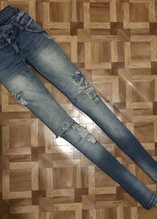 🌿 джинсы рваные