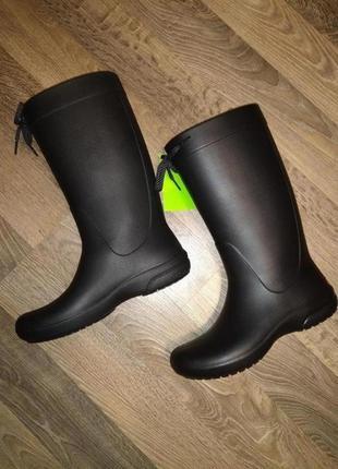 Crocs w9