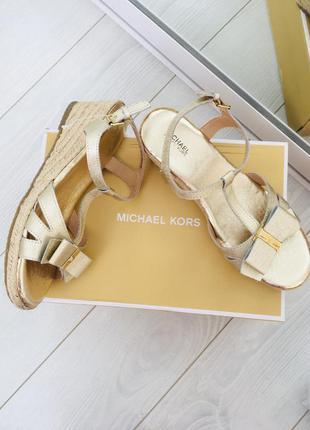 Mk оригинал сафьяновая кожа босоножки в золотом цвете michael ...