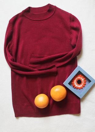 Бордовый свитер под горло, размер