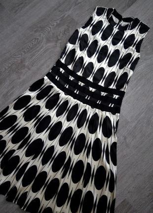 Красивое молочно-чёрное платье в крупный горох s-m