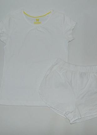 Комплект белая футболка и шорты 2-4 года