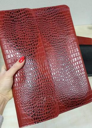 Папка-конверт для документов кожаная а4 crez-801 красный крокодил