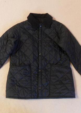 Черная детская демисезонная стеганая куртка barbour