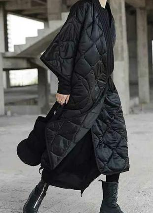 Стёганое пальто на запах, кимоно свободного кроя оверсайз.