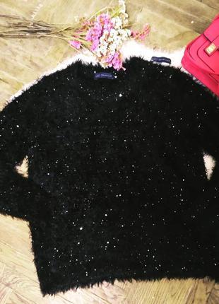 Черный пушистый свитер-травка с паетками от marks and spencer.