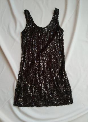 Шикарное блестящее платье в паетках