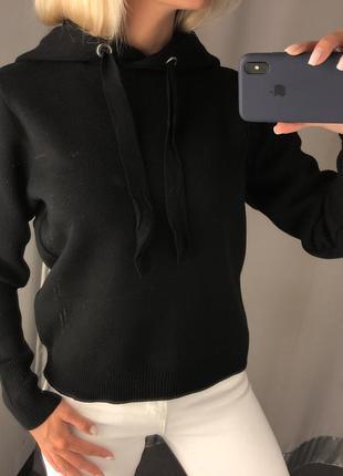 Плотная вязаная кофта с капюшоном чёрное худи. amisu.